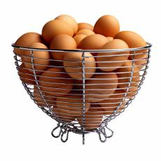 Fotografía de una canasta de huevos