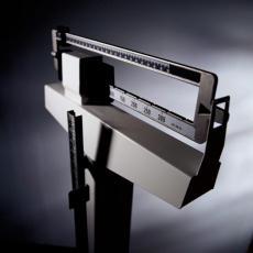 Fotografía de una balanza para pesar a personas